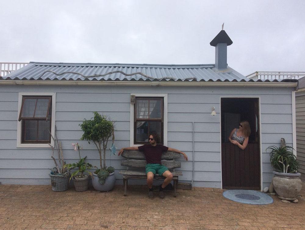 Mossel Bayn hurmaava Airbnb-talo ulkoapäin
