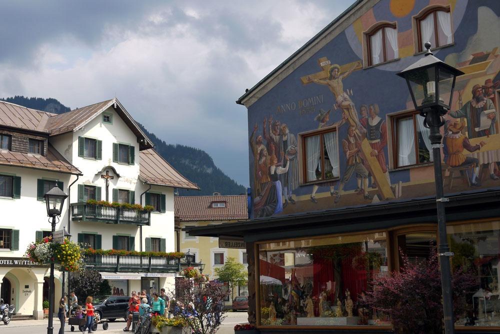 Talojen maalauksia Oberammergaussa