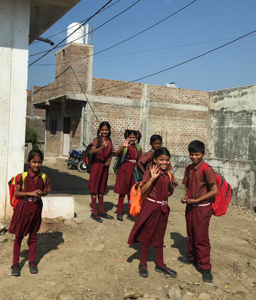 Koululaisia Indoressa