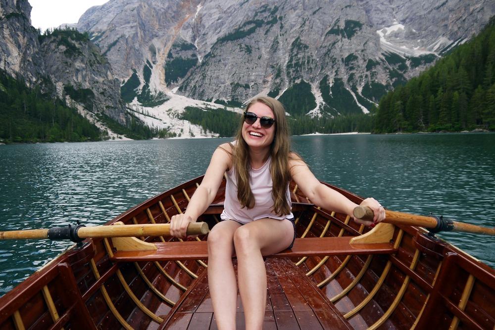 toinen veneilijä Lago di Braiesilla