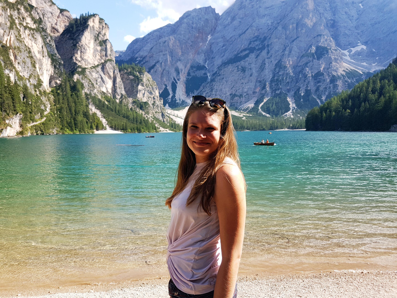 Kauniilla Lago di Braiesilla Dolomiiteilla