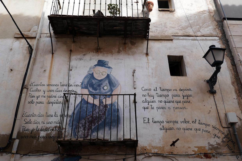 seinämaalauksia Alicanten vanhassakaupungissa
