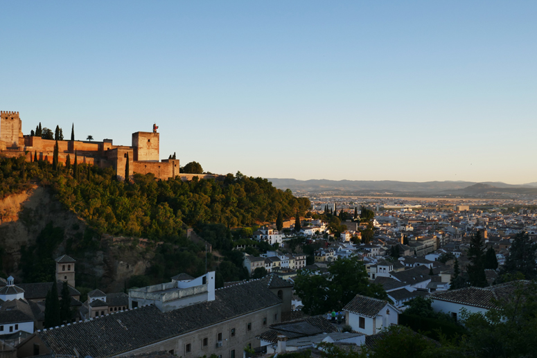 Auringonlasku Granadassa