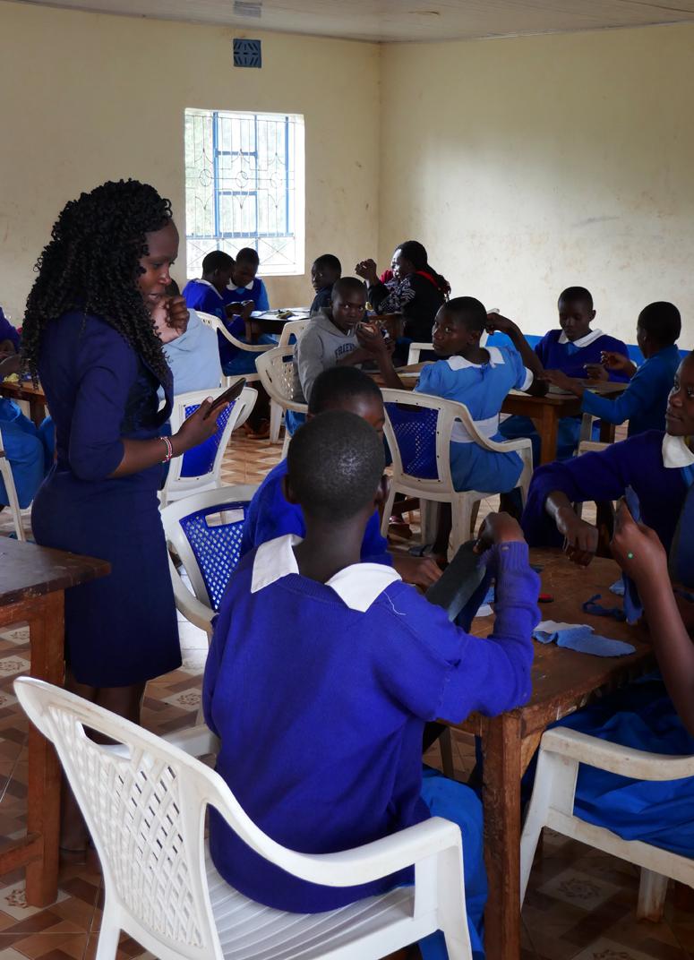 Workshop kuukautisista Keniassa
