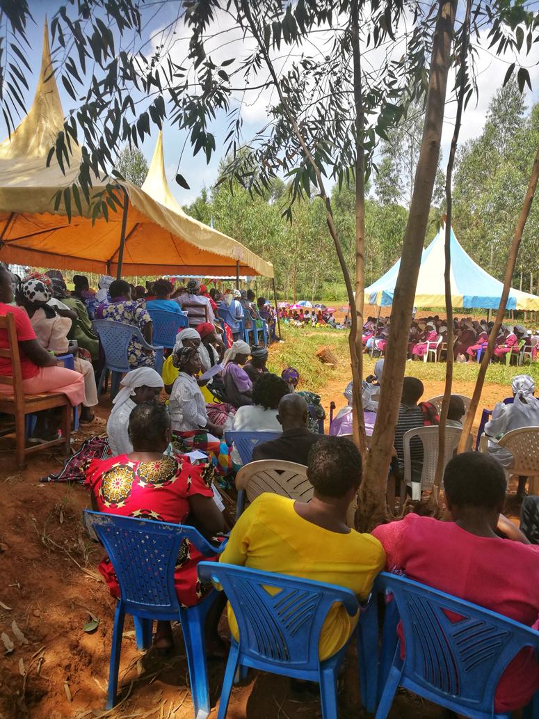 kenialaisissa hautajaisissa