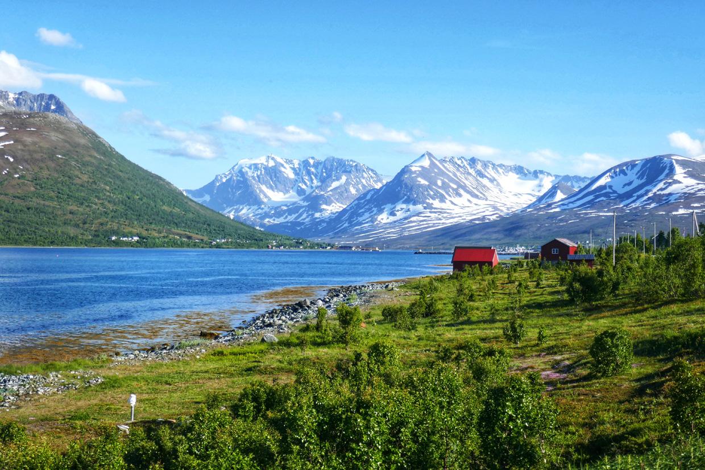 Pohjois-Norjan Lyngenin maisemia