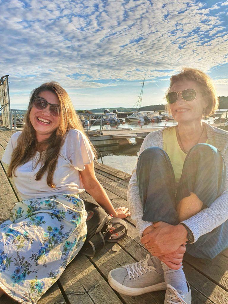 Mathildedalin satamassa äidin kanssa.